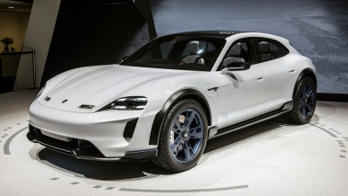01-porsche-mission-e-cross-turismo-geneva-1