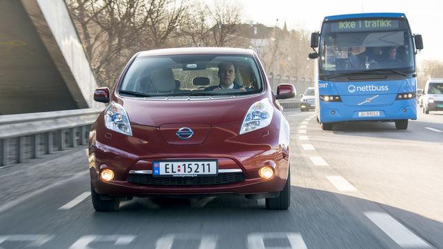 Nissan-Leaf-circula-carril-Noruega_EDIIMA20190115_0697_20.jpg